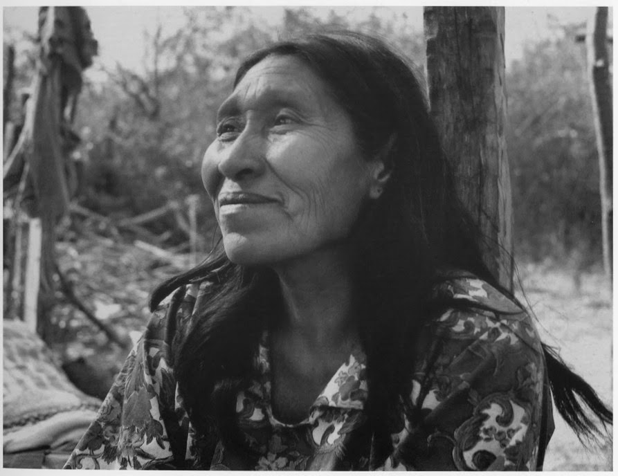 12-grete-stern-1964-chorote-woman-tartagal-salta-province